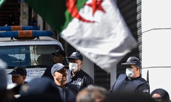 الجزائر ..  وفاة طفلة على يد راقٍ!