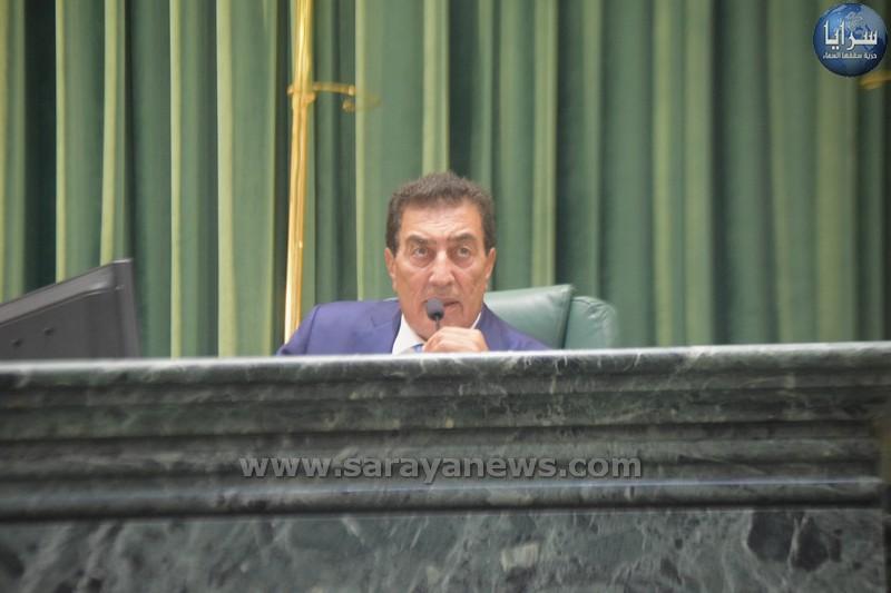 النائب غيشان للطراونة :رجعتم للفلفة  .. وخربتم سمعة مجلس النواب