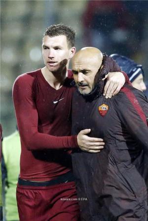 مدرب روما: على دزيكو دعوة الفريق للعشاء