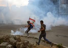 عشرات المصابين في احتجاجات بيروت