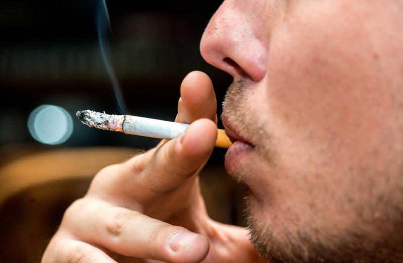 مليار دولار أنفق على التدخين العام الماضي