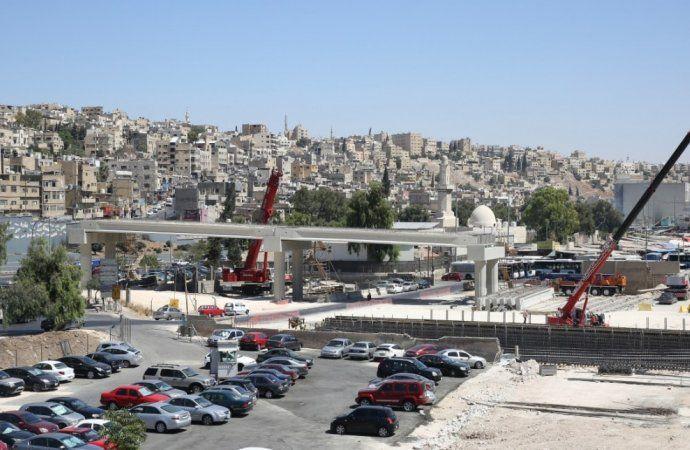 تحويلات مرورية جديدة بين عمان والزرقاء بسبب مشروع الباص السريع
