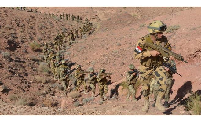 """الجيش المصري يعلن قتل 52 """"تكفيرياً"""" في سيناء"""