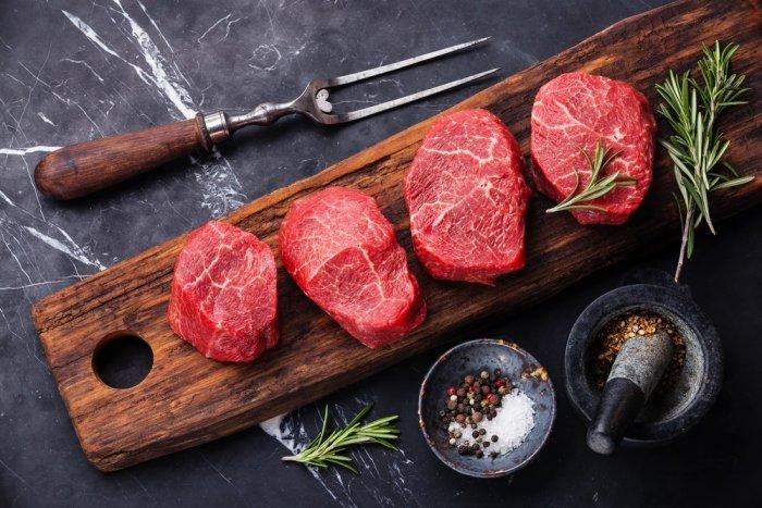 بالصور  ..  هل تزيد اللحوم المعالجة خطر الإصابة بأمراض القلب؟