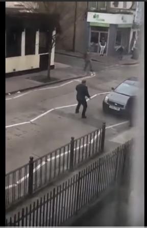 بالفيديو ..  بعد حادثة مسجدي نيوزلندا هجوم جديد على مسلمين في لندن