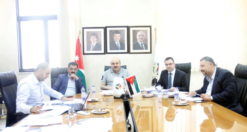 إلزام الأندية الأردنية بدفع مستحقات اللاعبين والمدربين