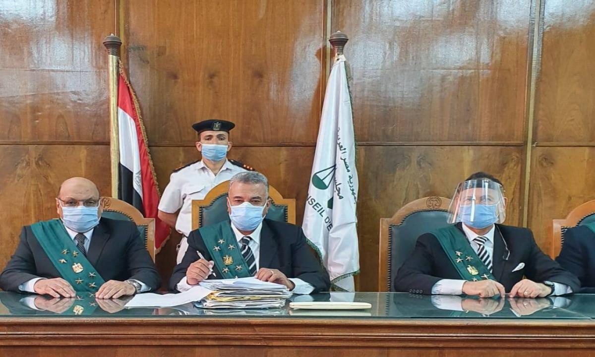 لأول مرة في مصر ..  محكمة تفصل فناناً أساء للديانتين الإسلامية والمسيحية