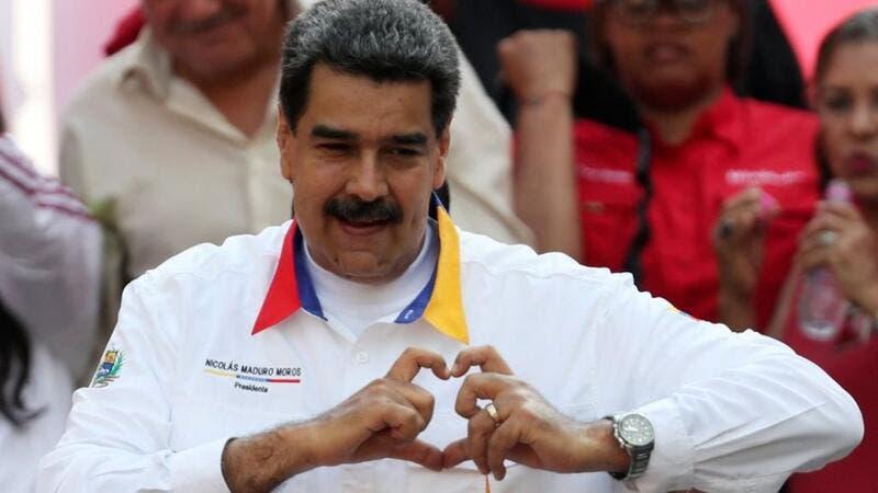"""في خطوة غريبة على البروتوكلات الدبلوماسية  ..  رئيس فنزويلا ينشر رقم هاتفه عبر """"تويتر"""""""