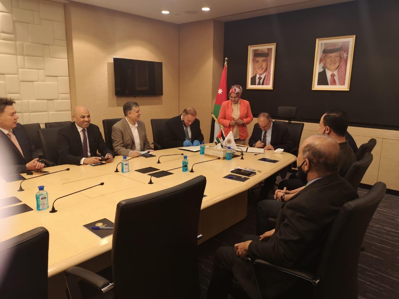 """منح من """"عمان العربية"""" للوطني للأمن وإدارة الازمات."""
