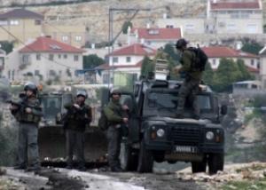 قوات الاحتلال تقتحم طولكرم وتفتيش المحال التجارية