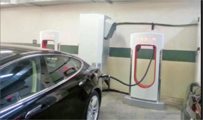 """الامانة تبدأ قريبا بانشاء محطات شحن خاصة بالمركبات الكهربائية مجانا """"تفاصيل """""""