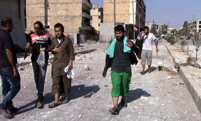 عشرات القتلى بغارات مكثفة على مناطق المعارضة في حلب وادلب