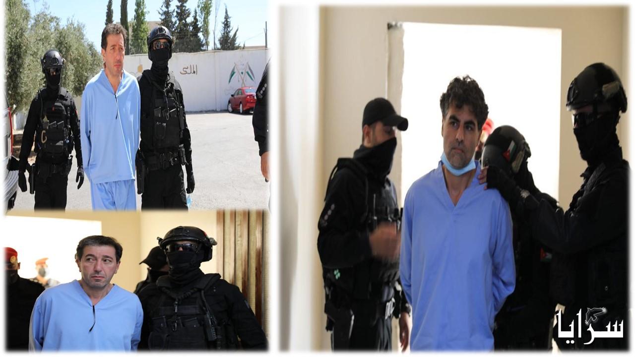 """بالفيديو ..   لحظة النطق بالحكم على المجرمين في قضية """"الفتنة"""" باسم عوض الله و الشريف حسن"""