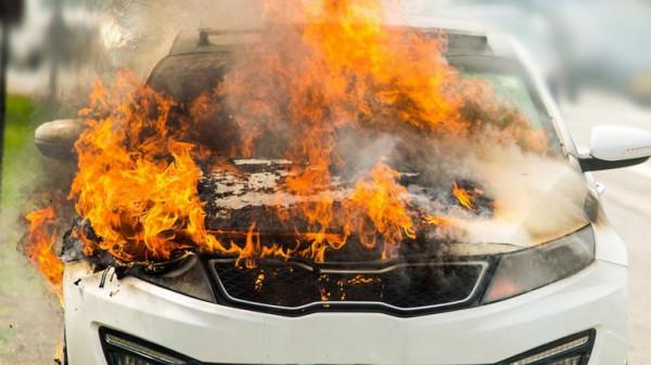 وفاة مصري وطفليه حرقا داخل سيارته بالسعودية