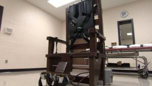 أمريكا: الإعدام بالكرسي الكهربائي لمجرم قتل أماً وابنتها