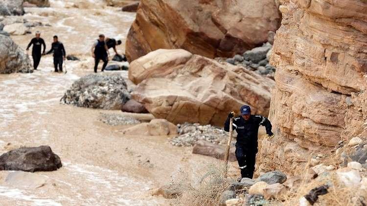 العرموطي يمطر الرزاز بـ 22 سؤالا حول فاجعة البحر الميت