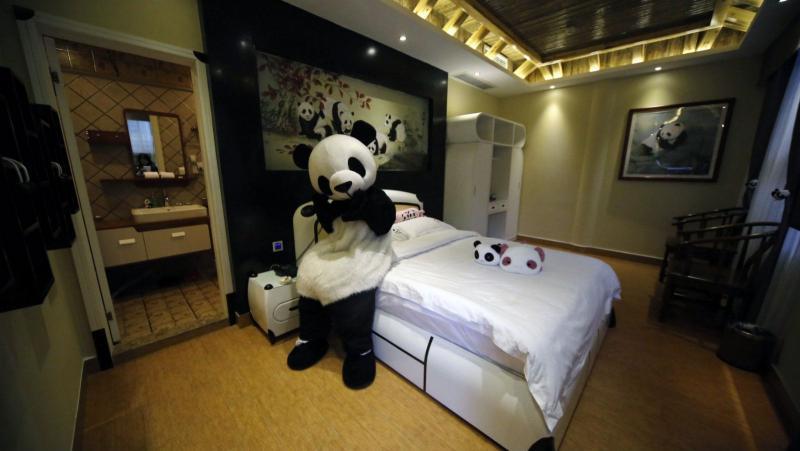 بالصور  ..  فندق باندا الصيني كل ما يحويه على شكل الباندا