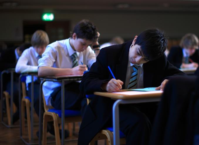 بريطانيا تغير مواعيد امتحانات الثانوية image.php?token=ba695ae2da732be90448d9869978d473&size=