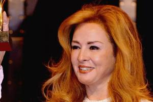 شهيرة منعت نجلاء فتحي من حضور عزاء محمود ياسين
