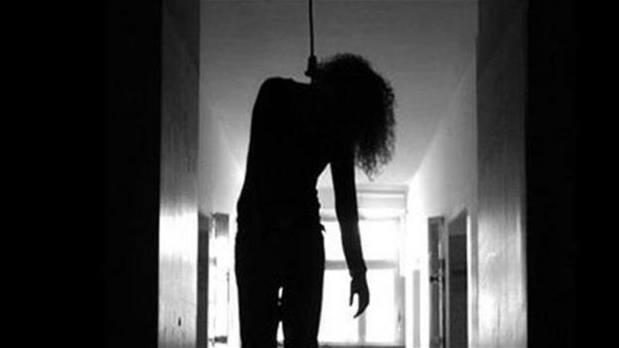 المفرق : شبهة انتحار فتاة شنقا بواسطة حبل بمنطقة الزعتري
