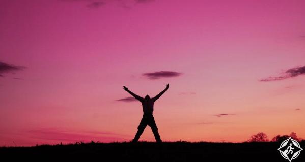 لماذا يشعر الناس بالسعادة عند السفر ؟