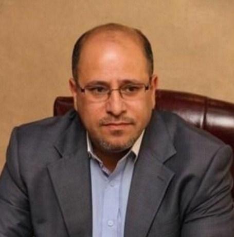 هاشم الخالدي يكتب : دولة الرئيس ..  حكومتكم دمرت تجارة السيارات وزادت اسعار الالبسة  .. فماذا تريدون اكثر