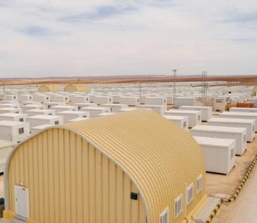 """صحيفة .. الإمارات تقيم مخيَّماً """"5 نجوم"""" للاجئين السوريين في الأردن"""