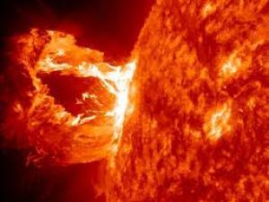 بالصور : لأول مرة.. علماء يكتشفون كيف تتولد طاقة الشمس