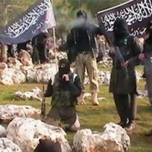 """مصادر في التيار السلفي : """"النصرة"""" تأسر أردنيين قاتلا مع """"داعش"""""""