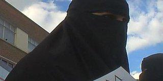 """القضاء الأمريكى:""""عروس داعش"""" لا تتمتع بحق دستورى فى العودة للولايات المتحدة"""