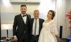 بالصور ..  أسما شريف منير في لحظة مؤثرة في حفل زواجها بسبب ابنتها