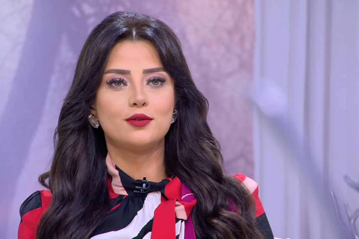 إصابة الإعلامية المصرية رضوى الشربيني وأسرتها بفيروس كورونا