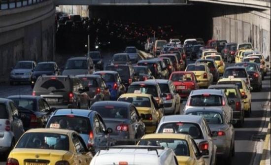 خبير إداري يقترح إعادة تنظيم دوام الموظفين للحد من الأزمة المرورية في الاردن