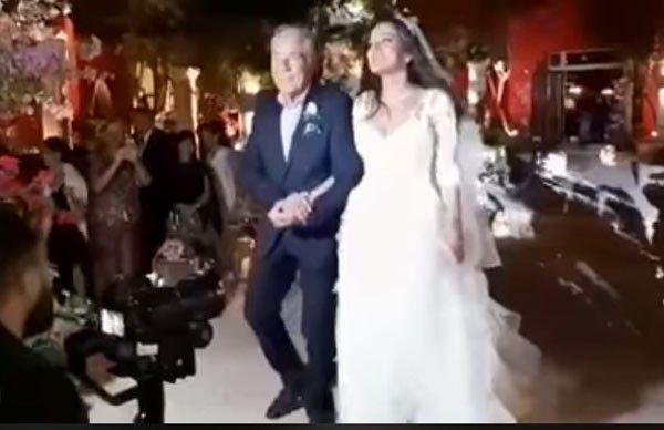 بالفيديو ..  مصطفى فهمي يحتفل بزفاف ابنته دينا