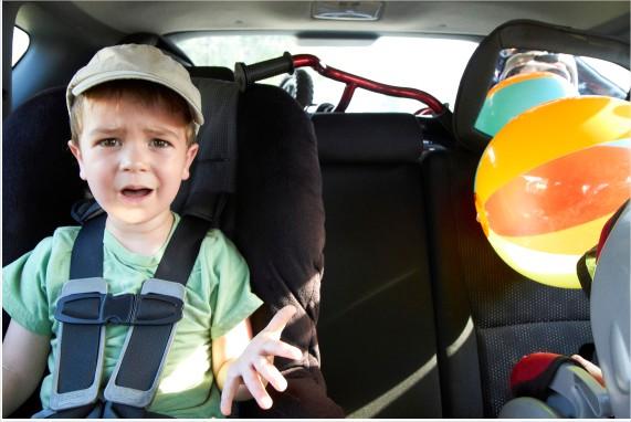 """9 خطوات تربوية مضمونة للتعامل مع طفلك الغاضب """"دائماً"""""""