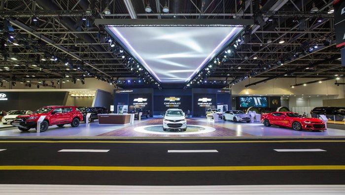 بالصور .. سيارات تعرض لأول مرة في الشرق الأوسط