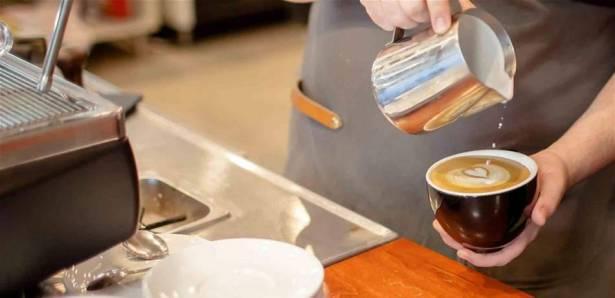 القهوة الساخنة أم الباردة ..  أيّها يساعد على خسارة الوزن؟