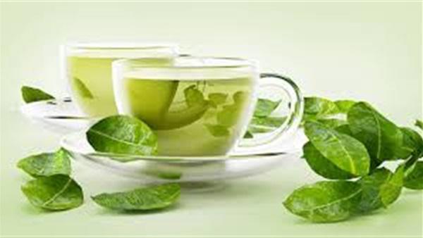 كوب من الشاي الأخضر بعد الإفطار يطرد الماء الزائد من جسمك