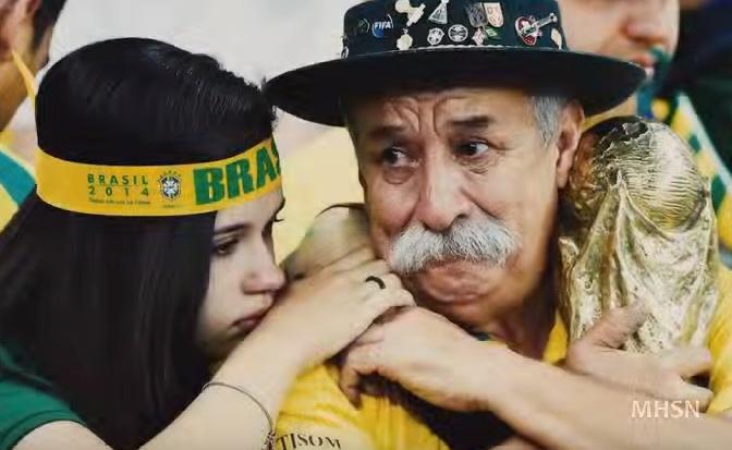 بالفيديو .. أفضل وأسوء اللحظات في تاريخ كرة القدم