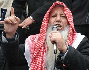 """الطحاوي يعلن من سجنه وقوفه مع """"داعش"""" ضد التحالف"""