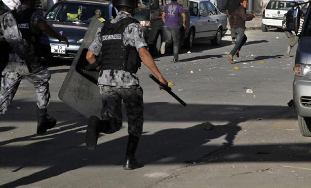 اصابة (4) اشخاص بمشاجرة عشائرية بمنطقة العارضة