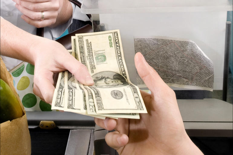 13 طريقة تهدر بها أموالك دون ان تدرك