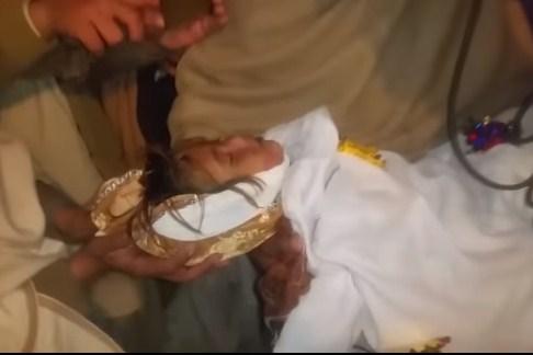 """بالفيديو  ..  جريمة بشعة جديدة : اغتصاب و قتل الطفلة """"اسماء"""" البالغة من العمر (3) سنوات"""