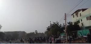 بالفيديو ..  قنص طبيب في احتجاجات ضد نظام البشير بالسودان