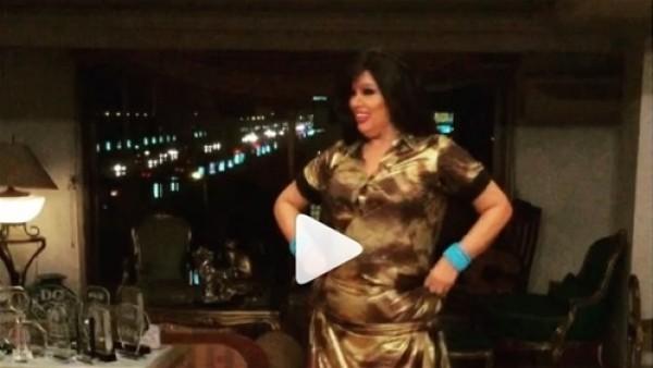 """فيفي عبده تتعرض للسخرية بسبب رقصها: """"بتحاول تدوب دهون بطنها"""""""