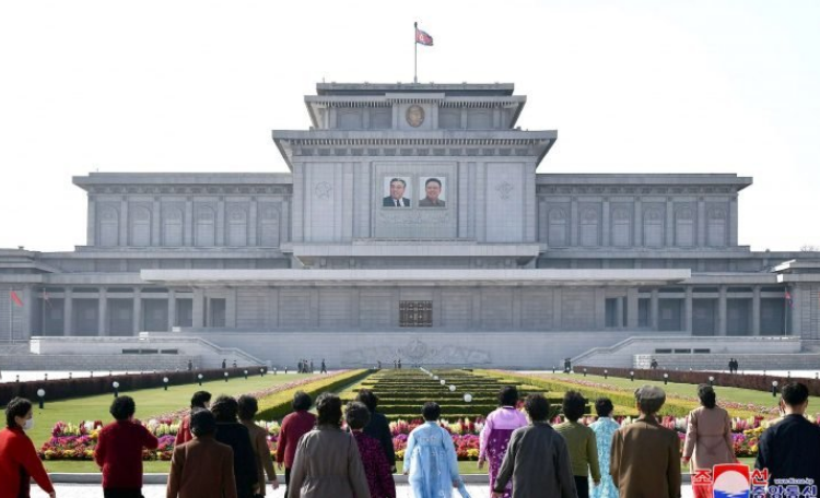 كوريا الشمالية: اللقاحات ليست الحل النهائي لجائحة كورونا