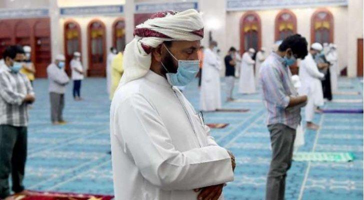سلطنة عُمان تقرر عدم إقامة صلاة التراويح في المساجد وتمدد إجراءات الحظر