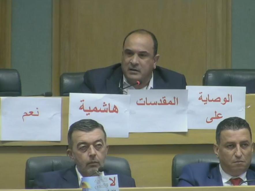 العياصرة للصفدي: لا تتحول لباحث والسياسة الخارجية للأردن ليست بخير