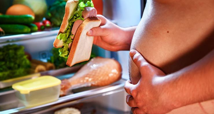 لماذا يواجه قصار القامة صعوبة في التخلص من الوزن؟