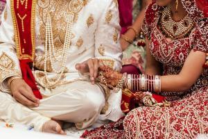بسبب اختبار جدول الضرب ..  عروس تغادر مراسم الزواج و تترك زوجها